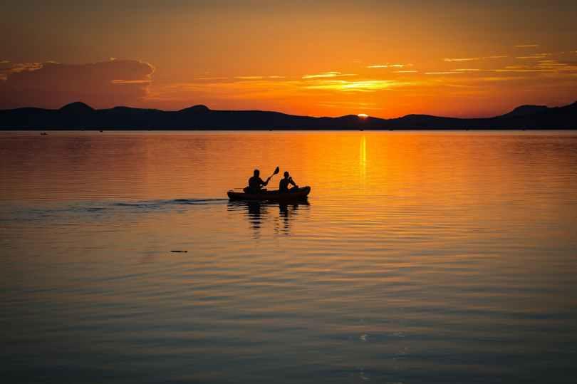 lake-balaton-sunset-lake-landscape-158045.jpeg